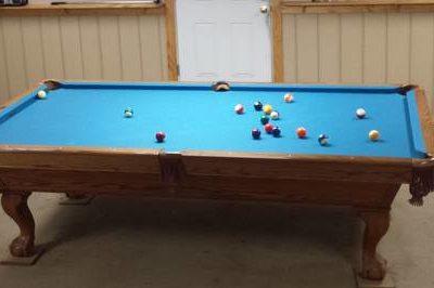9 ft Brunswick Pool Table